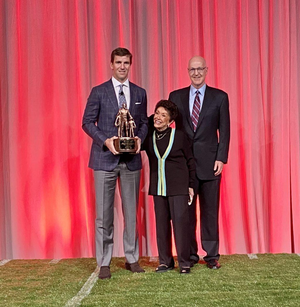 Eli Manning Bart Starr Award